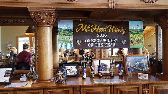 Hood River, OR: Mt. Hood winery tasting room