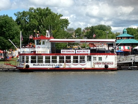 "Hudson, NY: The Riverboat ""SPIRIT"""