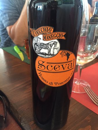 Agriturismo Il Vecchio Maneggio : Wine tasting with a lovely lunch