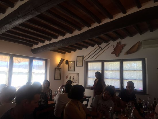 Agriturismo Il Vecchio Maneggio : A lovely lunch with ample wine to complement