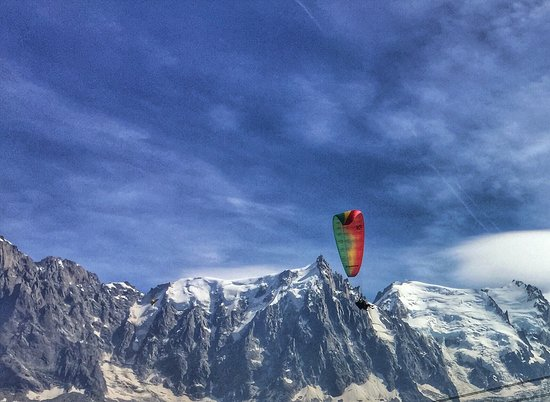 Massage Chamonix : The strongest hands and kindest heart in France. After hiking & paragliding in the mountains the