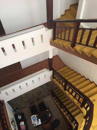 Bright Heritage : Vue de l'escalier central