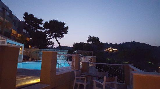 Cape Kanapitsa Hotel & Suites Photo