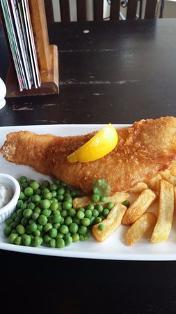 Inn on the Green: Gorgeous fish and chips.