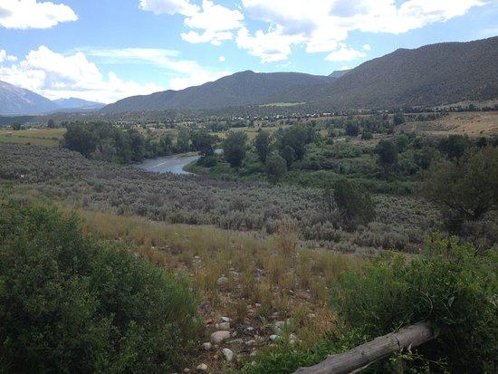Rio Grande Trail : Wide Roaring Fork River Valley