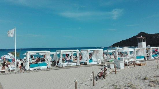 Is Fradis Beach Club: IMG_20160818_165307_large.jpg
