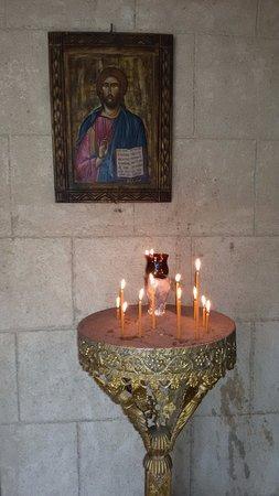 Внутри часовни, что рядом с Крестом Filerimos