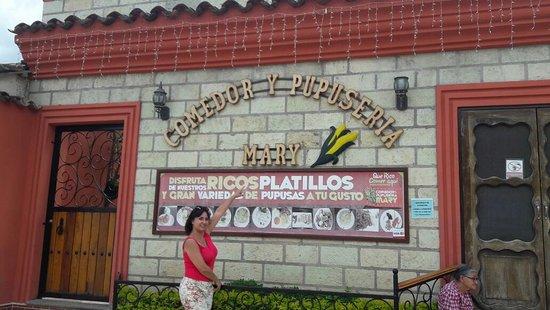 Comedor y Pupuseria Mary : gastronomia Hondureña