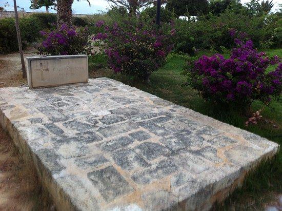Venetian Walls and Tomb of Nikos Kazantzakis: the tomb