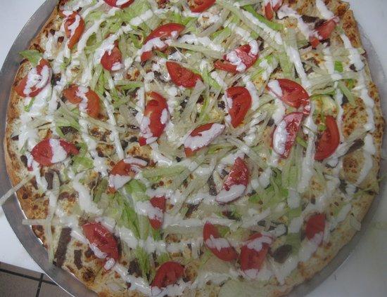 Sanford, MI: BLT Pizza