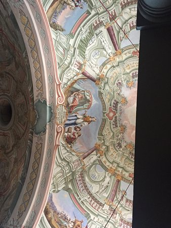 Leibnitz, ออสเตรีย: Kurze Wanderung auf den Frauenberg und man wird belohnt mit einem Blick auf Seggau und die steir
