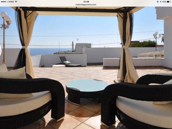 Particolare arredamento del terrazzo. Molto rilassante - Foto di ...