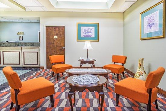 Howard Johnson Inn Tallahassee/Midway: Lobby