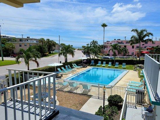 Zdjęcie St Pete Beach Suites