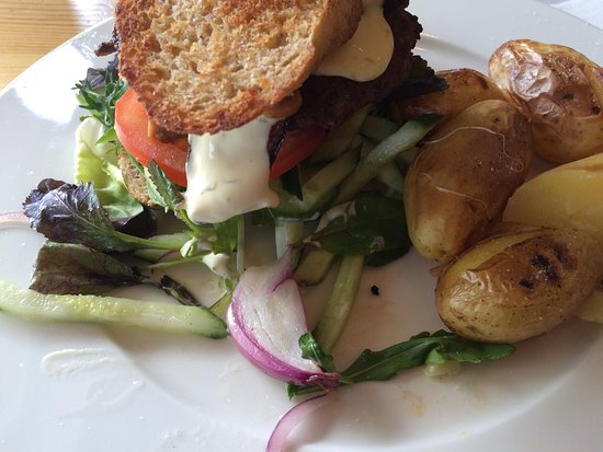Lampeland, Noruega: God mat og rent. Burgeren TOPP