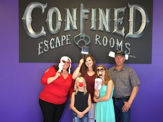 ‪Confined Escape Rooms‬
