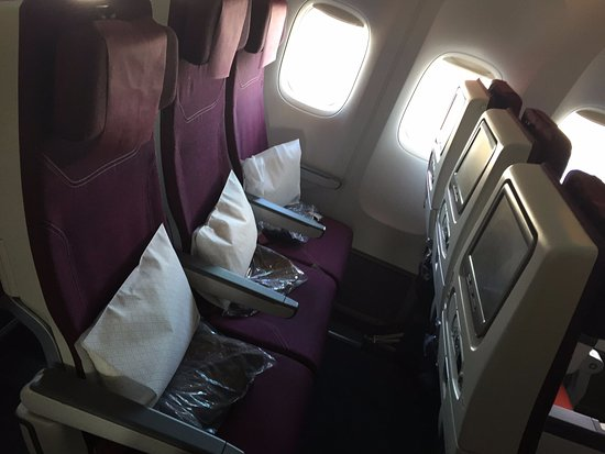 Qatar Airways Economy Cl Seats On 777 Good Legroom