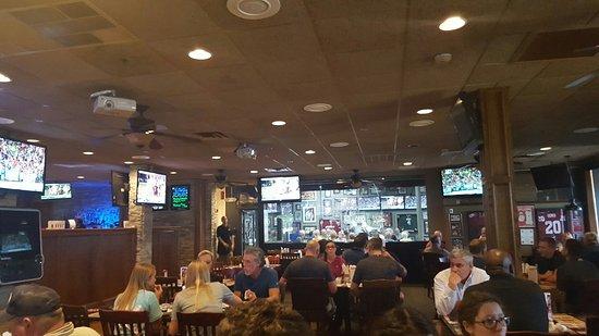 Lawton, OK: Mike's Sports Grill