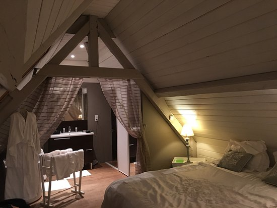 Neville, Frankrike: Zimmer mit Bad und WC auf dem 1. Stock
