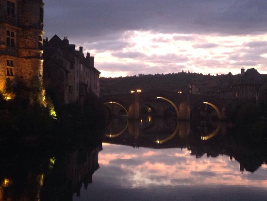 Espalion, Francja: photo0.jpg