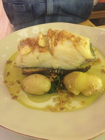 "Amadora, โปรตุเกส: Codfish (Bacalhau) with ""Broa"""