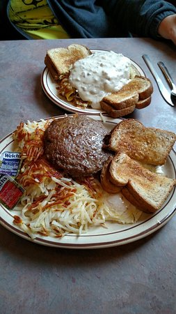 Spirit Lake, IA: Family diner #4 and a Matt's Special