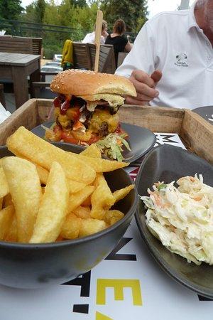 Glienicke, Γερμανία: Burger-Erlebnis