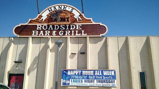 Wright, WY: Hank's Roadside Bar & Grill