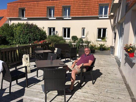Tournehem-sur-la-Hem, France : Hotel Bal