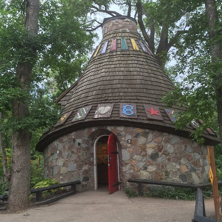 Witches Hut And Rainbow Stage Picture Of Kildonan Park Winnipeg Tripadvisor