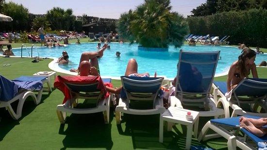 Baia, Italia: la piscina fredda ( senza obbligo di cuffia)