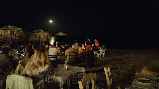 Μαραθώνας, Ελλάδα: Taverna sul mare.. da non perdere!