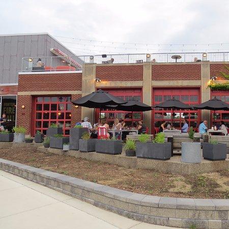Fenton, MI: Patio and front entrance