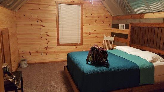 Greers Ferry, AR: Upstairs bedroom
