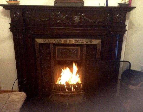 Belmullet, Irlanda: Cosy turf fire