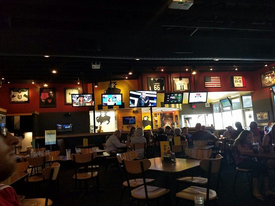 Cedar Rapids, IA: Sports galore!  Love BWWs