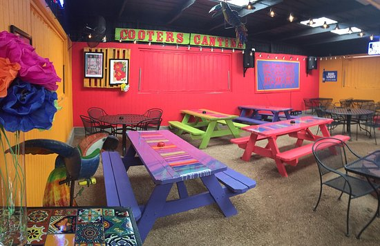 Sweetwater, TX: Big Boys new patio we call Cooter's Cantina..