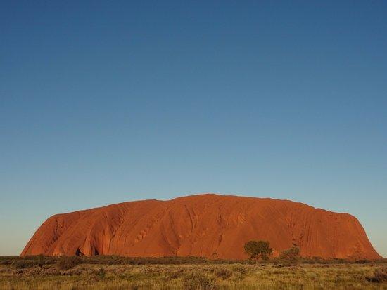 Yulara, Australia: Uluru before sunset