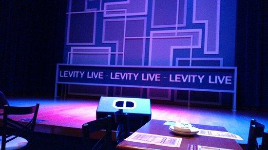 West Nyack, Нью-Йорк: Stage