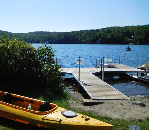 Barnard, VT: Boat dock area with canoes, kayaks, and paddleboats!
