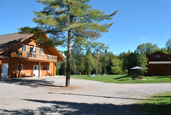 Lac-Saguay, Canada: Motel Ours Bleu