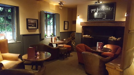 Stoke Poges, UK: The Red Lion