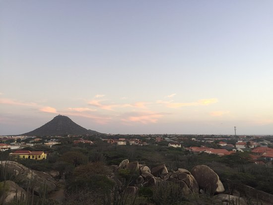 Casibari Cafe: The view from atop the rocks!