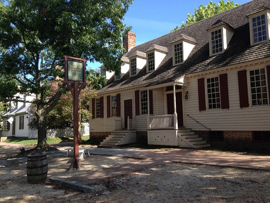 Colonial Houses-Colonial Williamsburg: Market Square Tavern