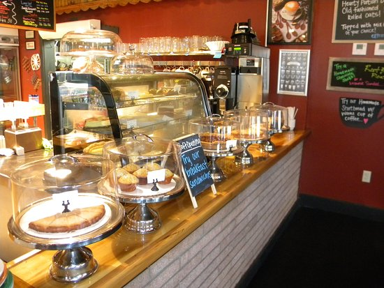 Livingston, TX: Baked goods displays for easy viewing