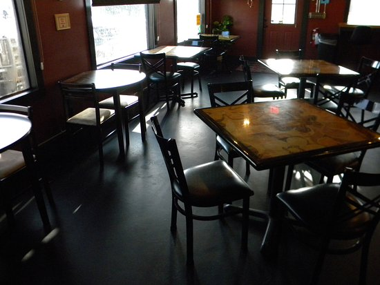 Livingston, TX: Table seating, inside. Free to move around for larger groups.
