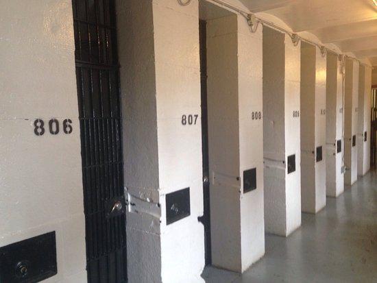 HI Ottawa Jail Hostel: photo0.jpg