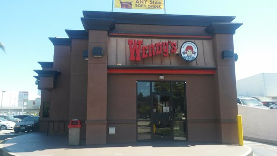 Wendy's at 9036 Venice Boulevard, Culver City, California 90232 Has The Taste! 08-19-2016