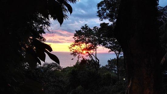 Mango Moon Villa: sunset at mango moon