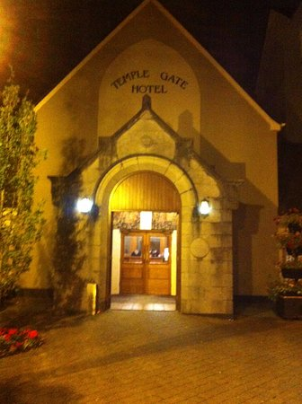 Ennis, Ireland: entry near square